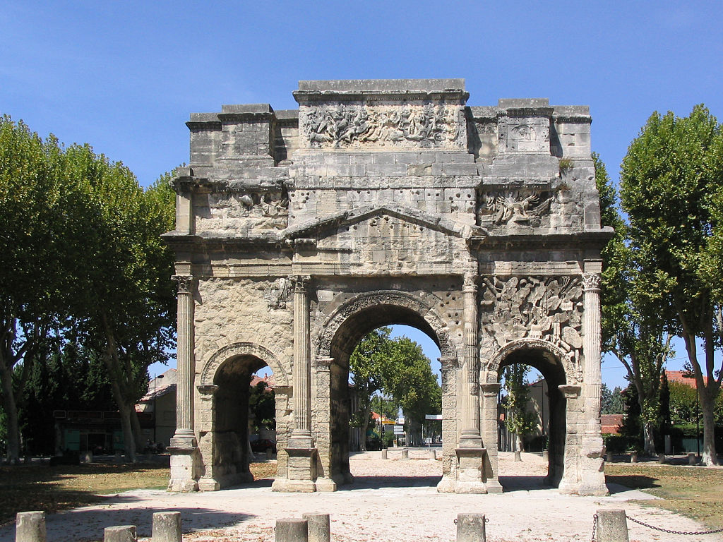 Triumphal arch of Orange (1)