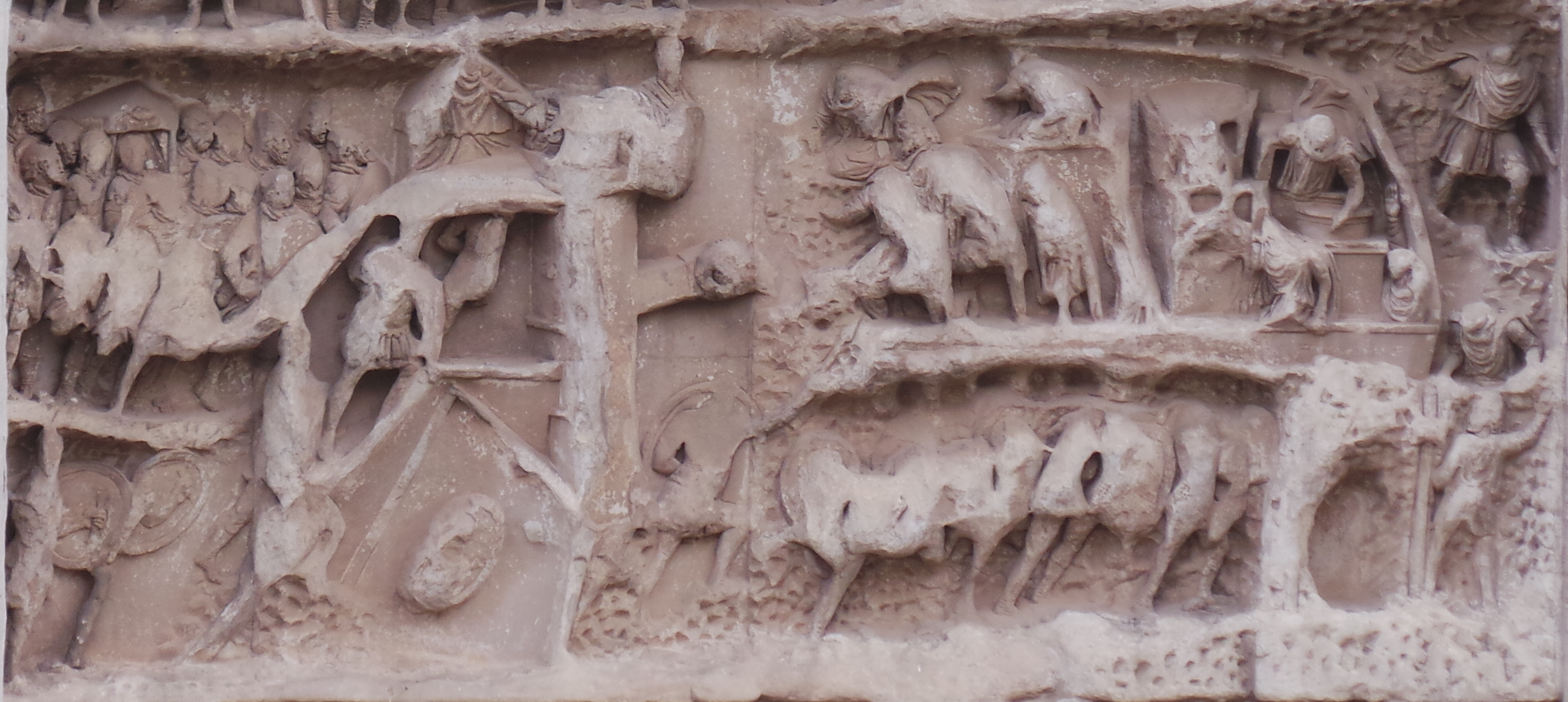Triumphal Arch of Septimius Severus: Relief depicting the siege of Ctesiphon